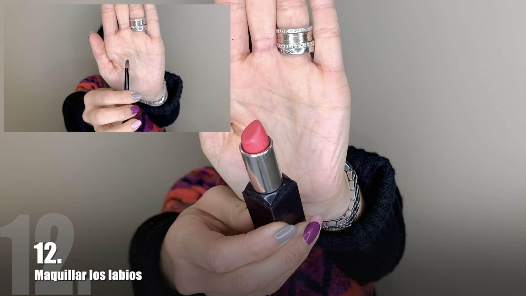 - Paso nº12. Maquillar los labios